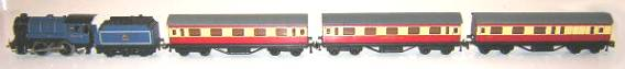 BR 3 short coaches w engine1